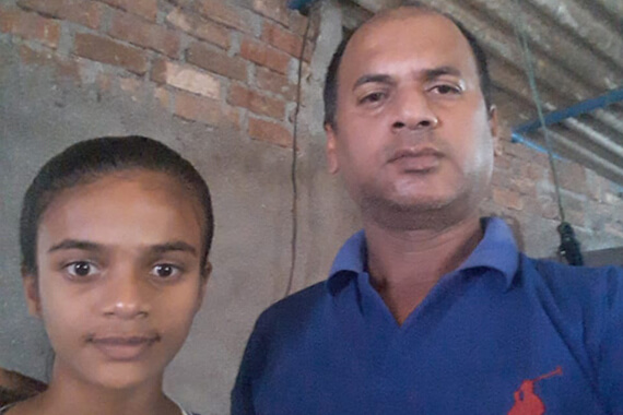 Support Mr. Sandeep and his 10-year-old daughter to move forward in life without any more difficulties.